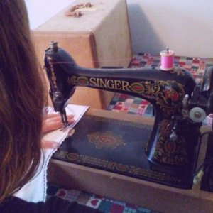 This is your guide to picking out the best sewing machine for beginners