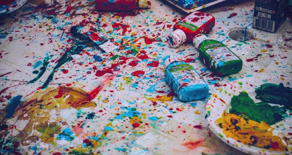 Impulsive messy paint